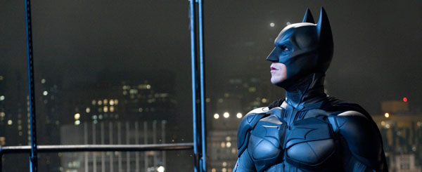 Batman and Bane in Lover's Quarrel in New Movie Images