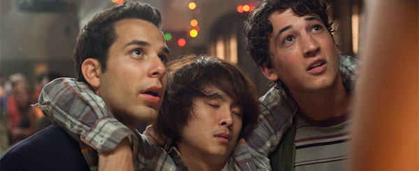 Miles Teller, Justin Chon Talk Male Nudity, Kissing, 21 & Over