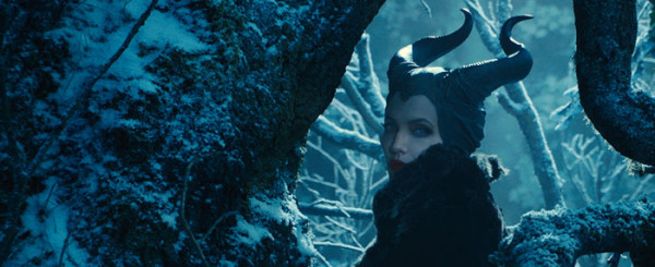 Maleficent Review: Why Can't Bad Guys Just Be Bad?