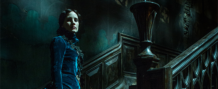 Review: 'Crimson Peak' Pretty but Predictable