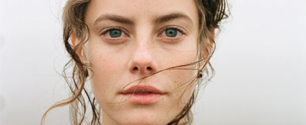 Review: 'Wuthering Heights' Whimpers in the Wind