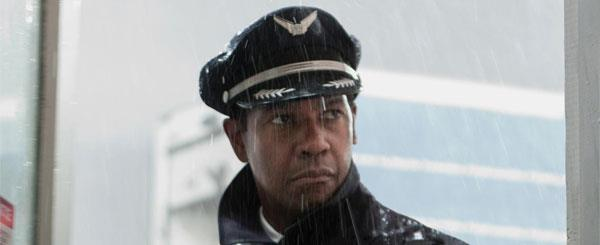 Review: Robert Zemeckis Returns to the Air with 'Flight'