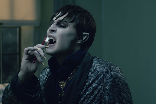Dark Shadows Image 19