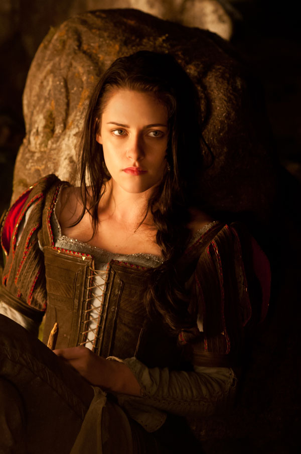 Snow White and the Huntsman Image 14