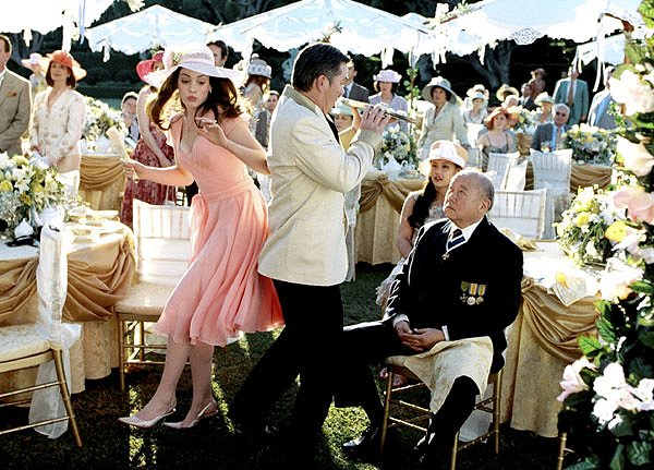 The Princess Diaries 2: Royal Engagement Image 4